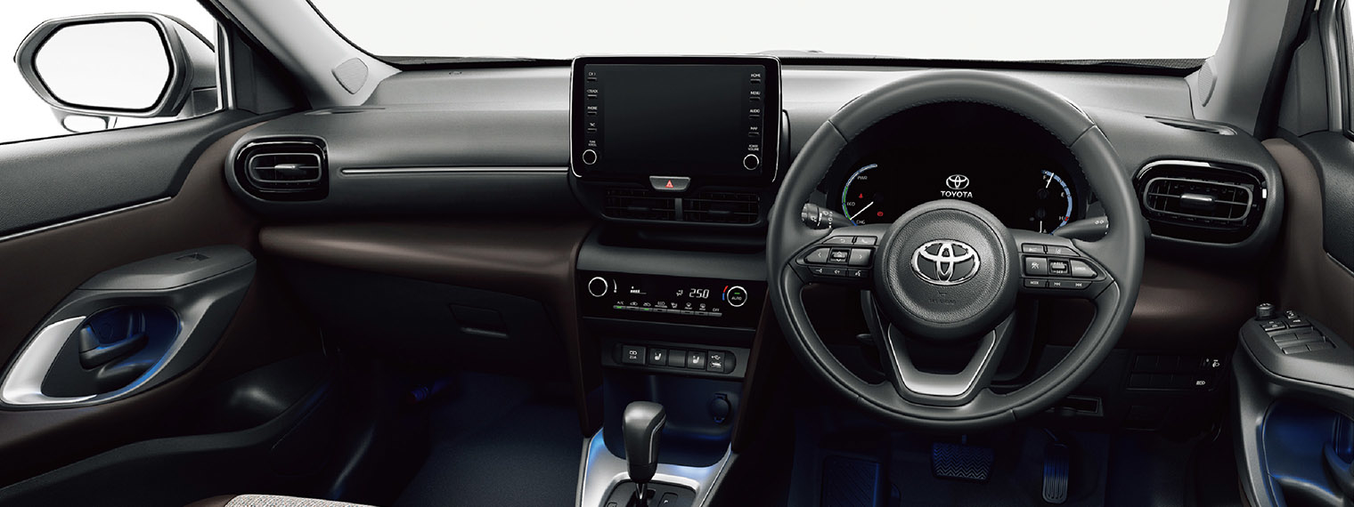 yariscross_interior_2_pc